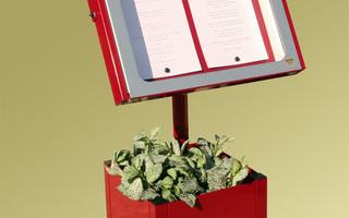 Provence 4 pag op voet bloembak rood.jpg
